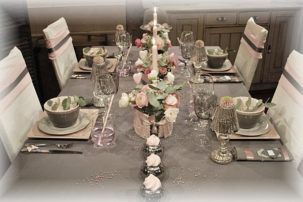 retro-rose-zephyr-and-grey-table-set
