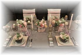 retro-rose-zephyr-and-grey-table-set2