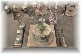 retro-rose-zephyr-and-grey-table-set3