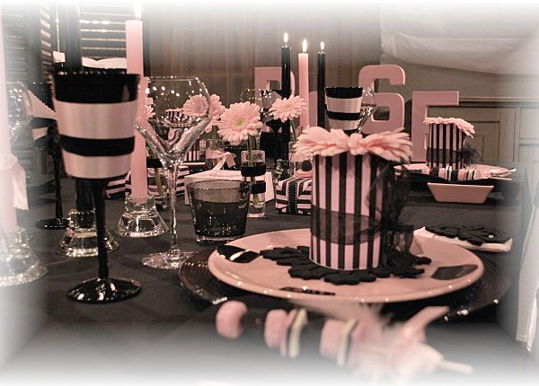french-chic-table-set-in-rose-and-black