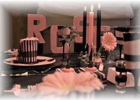 french-chic-table-set-in-rose-and-black16
