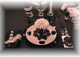 french-chic-table-set-in-rose-and-black9