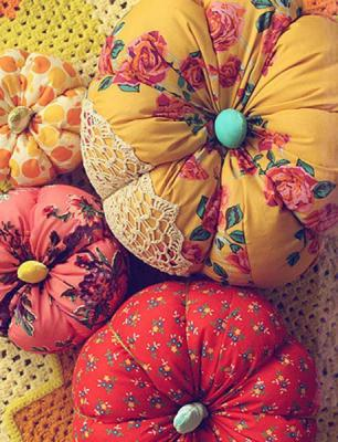 diy-pumpkin-pillow-variations