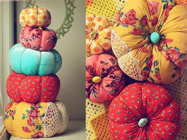 diy-pumpkin-pillow