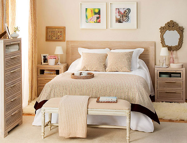 cream-and-tea-rose-shades-in-bedroom