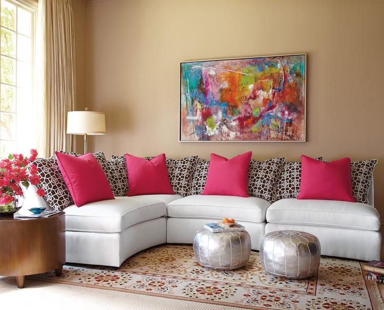 Интерьер гостиной с картинами фото