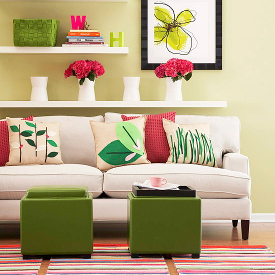 colorful-details-in-livingroom
