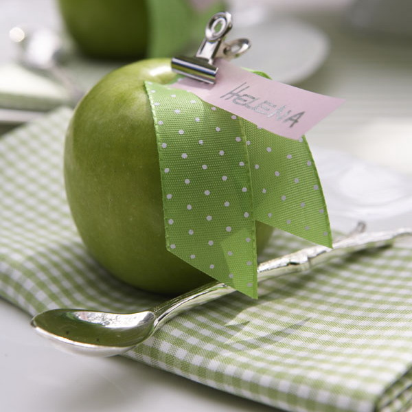 green-apple-fan-theme-dinner-decorations