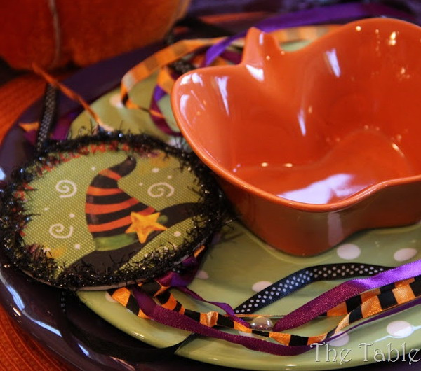 halloween-without-horror-table-setting