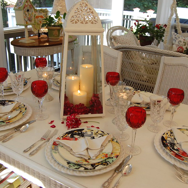 st-valentine-red-white-table-setting