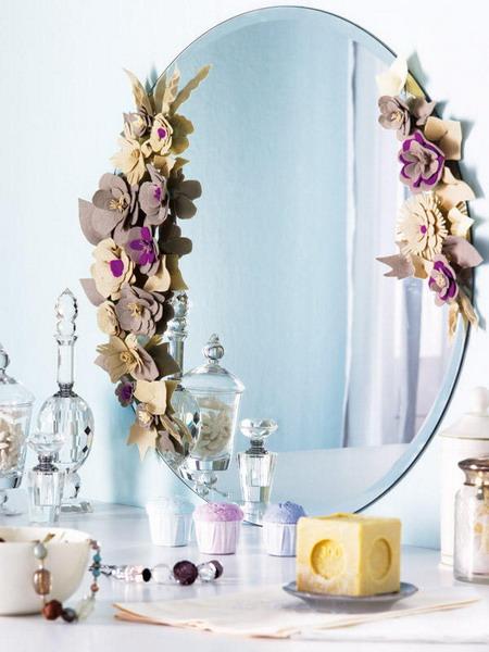 Фото цветок в зеркале