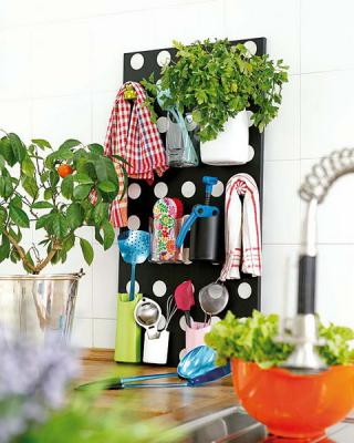 diy-wall-stand-organizers-with-pockets1
