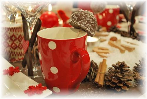 christmas-in-chalet-table-setting2