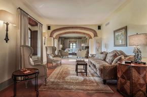 tuscany-traditional-luxury-villa7