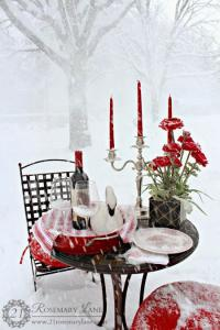 outside-valentine-tablescape-ideas10