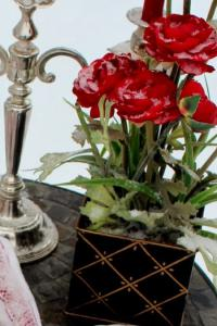 outside-valentine-tablescape-ideas8