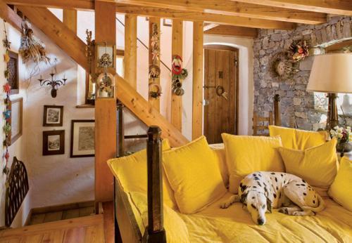 cozy-chalet-style-italian-house5