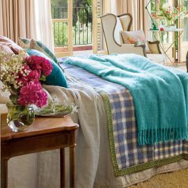 charming-vintage-feminine-bedroom2