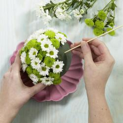easy-creative-diy-floral-arrangement2b