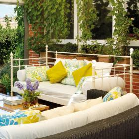 easy-update-porches-with-white-furniture2-4
