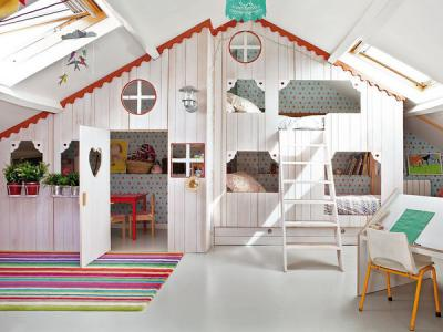 little-house-in-attic-kidsroom15