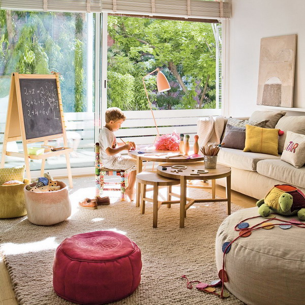 livingroom-for-childrens-and-parents