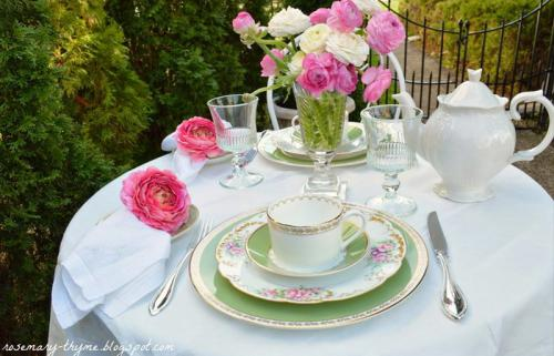 summer-afternoon-tea-in-garden2