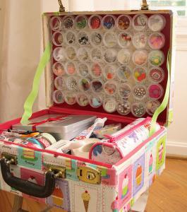 diy-crafty-suitcase3