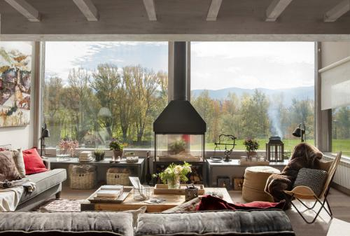 inspiring-livingrooms-with-panoramic-windows7