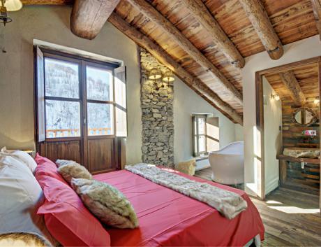 italian-chalet-house12
