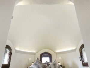 tiny-attic-apartment-makeover4-2