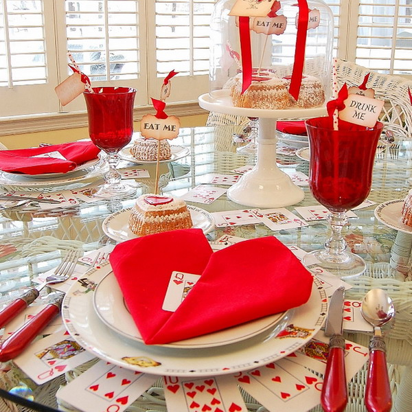 alice-in-wonderland-valentine-day-table-setting