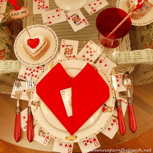 alice-in-wonderland-valentine-day-table-setting12