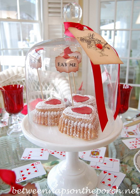 alice-in-wonderland-valentine-day-table-setting5