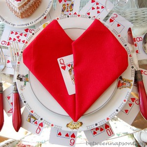 alice-in-wonderland-valentine-day-table-setting8