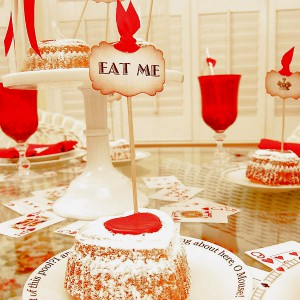 alice-in-wonderland-valentine-day-table-setting9