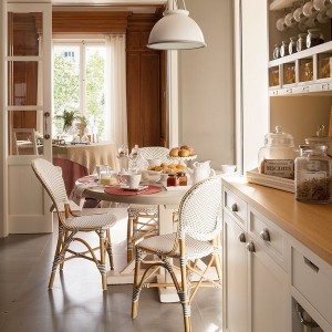 dining-table-in-kitchen-15-creative-solutions11-1