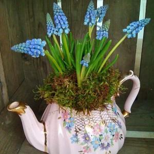 spring-flowers-creative-vases3-2-1
