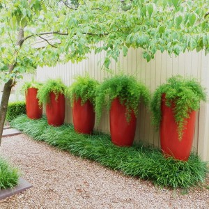 creative-use-large-pots-and-containers-in-garden16-1