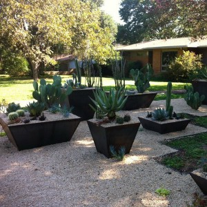 creative-use-large-pots-and-containers-in-garden19-2