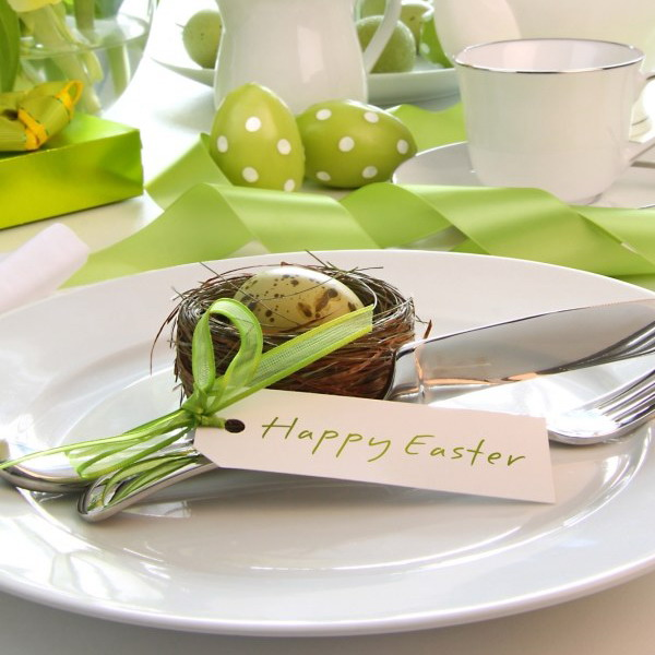 easter-decor-napkins-and-plates