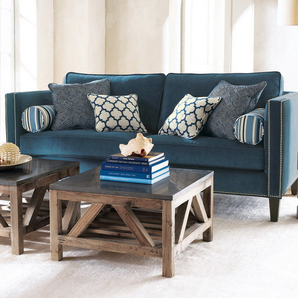Интерьер с синими диванами