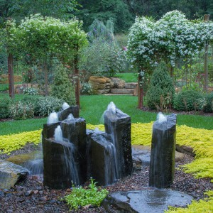how-to-choose-fountain-for-your-garden8-1