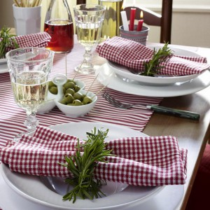 veggies-and-herbs-creative-tablescape-ideas1-2