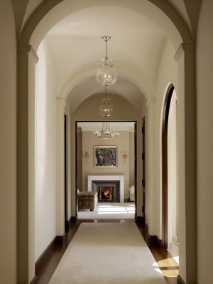 long-hallway-decorating-ideas3-1