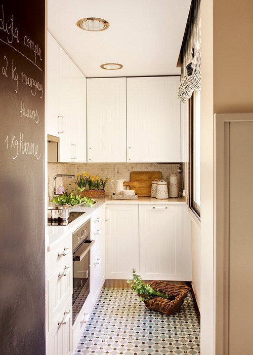 small-narrow-kitchen-with-dining-table1