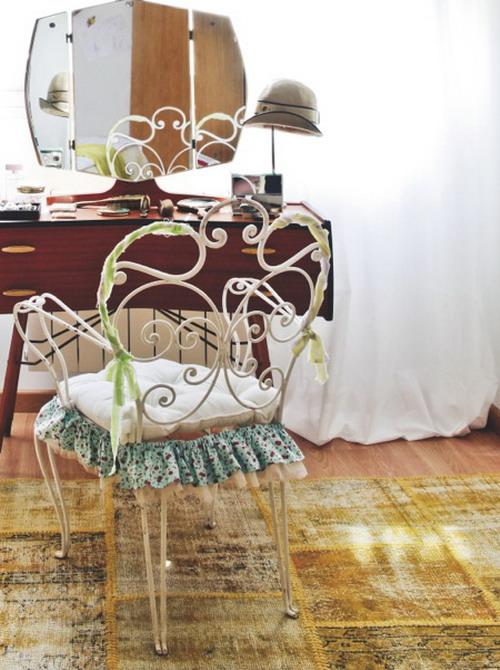 update-bedroom-to-add-romantic-mood6