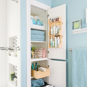 cosmetics-organizing-in-bathroom14-1