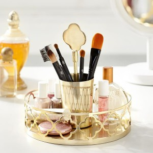 cosmetics-organizing-in-bathroom19-1