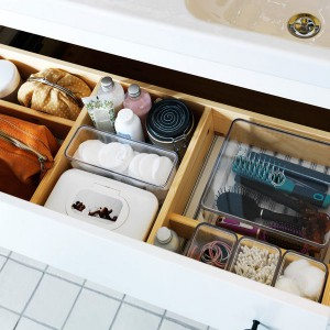 cosmetics-organizing-in-bathroom2-1